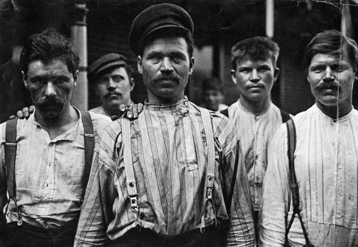 Steel workers at a Russian boarding house in Homestead.