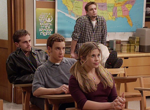 fyeahhboymeetsworld:  Season by Season: Topanga, Cory, and Shawn's Desks