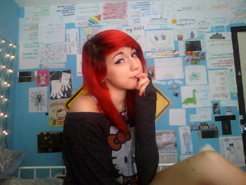 I'M GOING THROUGH OLD PICTURES ON MY LAPTOP AND I MISS MY RED HAIR, YOU GUYS ):