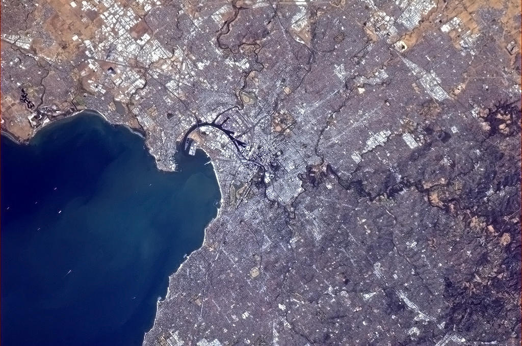 colchrishadfield:  Melbourne, Australia, clear as a bell. An amazing harbor!