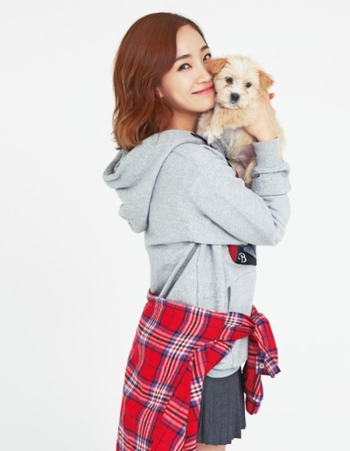 Yeeun for CeCi magazine 'I Love Pet' campaign (Jan 2013)