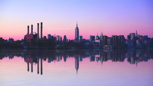 urbanthesia:  Manhattan by Shaun Jones LA on Flickr.