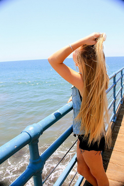 animaislindoos:  lost in paradise |Tumblr on We Heart It - http://weheartit.com/entry/59568841/via/AnimaisFofos   Hearted from: http://floridafriendsforever.tumblr.com/