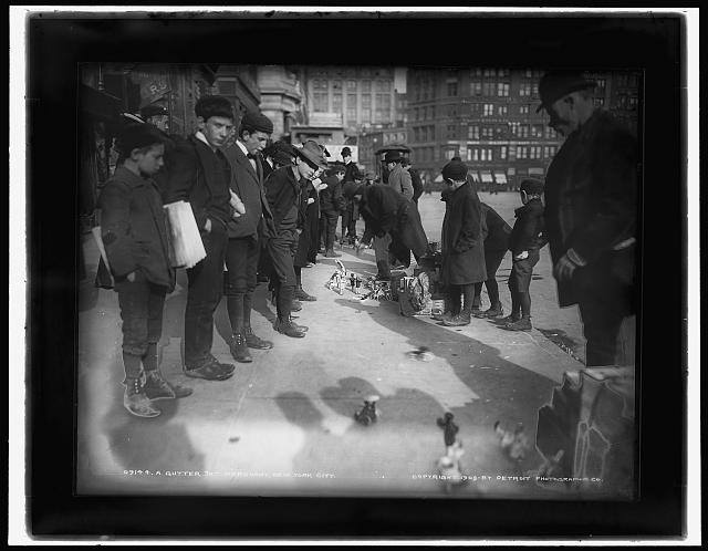 bobbycaputo:  Street toy merchant,Union Square area, circa 1903  Photo from the Library of Congress.