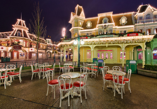 everythingisdisney:  France's America's Passtime Restaurant - Casey's Corner by Tom.Bricker on Flickr.
