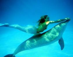 real mermaids - Google Search en We Heart It. http://m.weheartit.com/entry/59642220/via/Sarah_layton