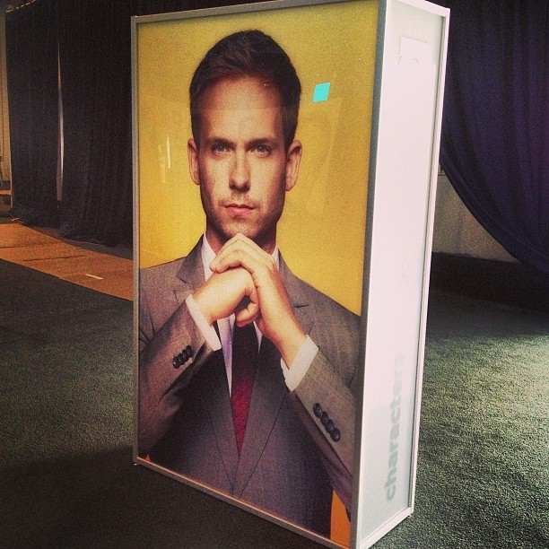 what's in the box?!? what's in the boooooxxxx?!? #suits #upfronts #patrickjadams #nyc @halfadams  (at Pier 36)
