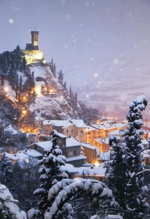 miobello:  Winter's beauty… Brisighella Innevata, Italy