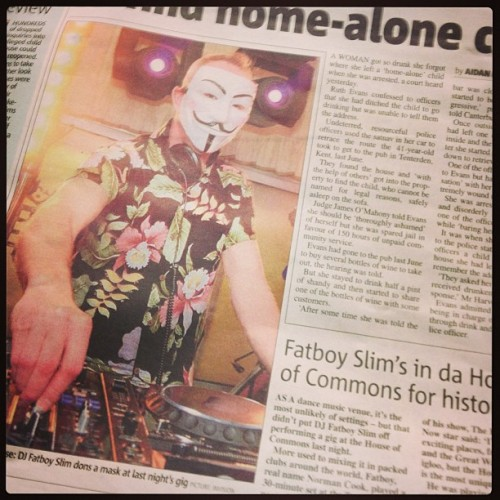 **STOP PRESS** @londonwestbank's #HouseOfCommons show, page 5 in da #Metro yo…