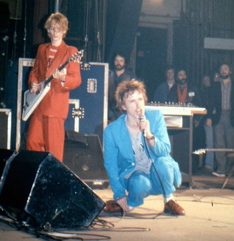 (via Dangerous Minds | Raw footage of John Lydon and Keith Levene at MTV interview, 1982)