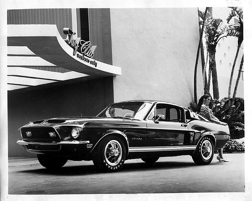 Early 1968 GT-500 press release photo…(check the prototype fender emblems)