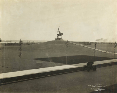 The Logan Monument, Grant Park, 1910, Chicago Burnham and Ryerson Archives, Art Institute of Chicago