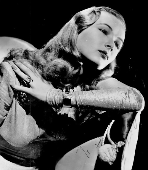 Veronica Lake in 1942. #veronica lake#edits#vintage#1942#1940s#old hollywood