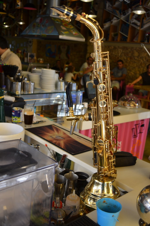 omdrn:  meowswithpride:  mikeofegypt:  Saxophone Beer Tap that I came across when i was in Europe.   they finally found a use for them   So that's what they're used for!