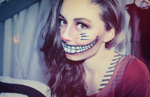 carlotaslmrn:  As the Cheshire Cat for the carnival of my school :3
