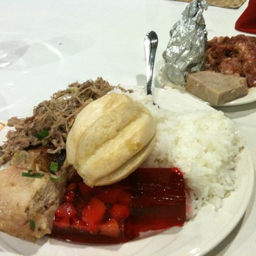 My favorite part of Polynesian parties, THE FOOD!!!! #polyfood #polyfull #ineedtorun #hawaiimakesmefat #imakemefat