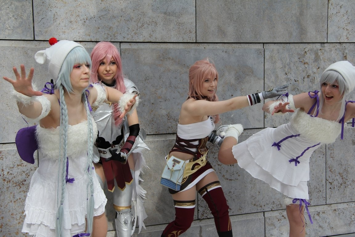 one of my favourite photos of serah so far… ray looks just so damn amazing in her amrour, and i'm just… chubby serah. |Dbut i love the costume anyways, it took so much time and all of my nerves, so no way not to love the way it turned out.  photo by unknown, they're deleted already .-.Also, I wasn't able to find the Moogles yet… We'll see about that, I want to know them!!Ray as LightningMyself as Serah