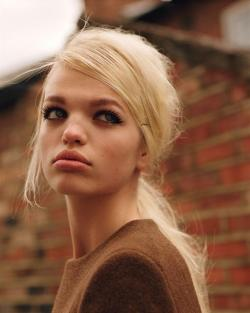 weneedfashion:  Daphne Groeneveld by Alasdair McLellan for Self Service   Wow, stunning!!