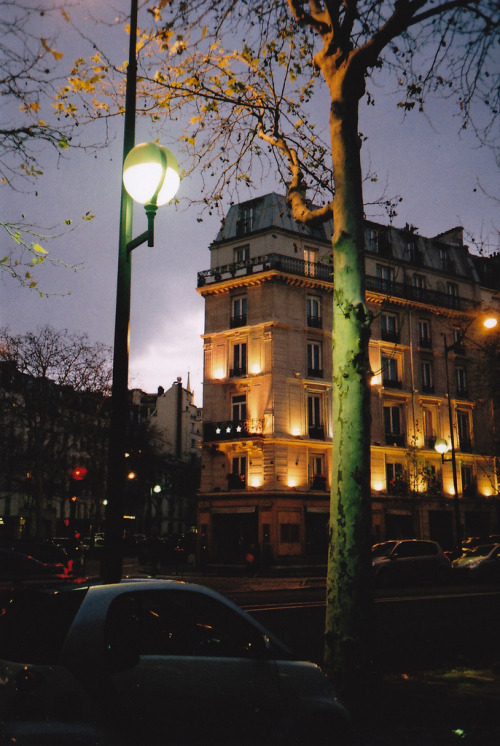 hellanne:  paris. 2012 (by ZakNunn)
