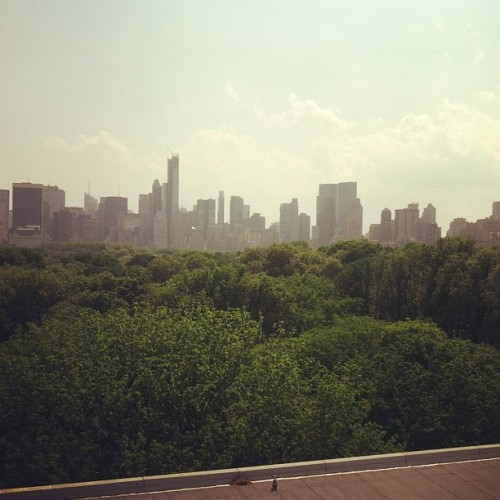 Very hazy here in NYC #thecity #nyc #hothothot  (at The City )