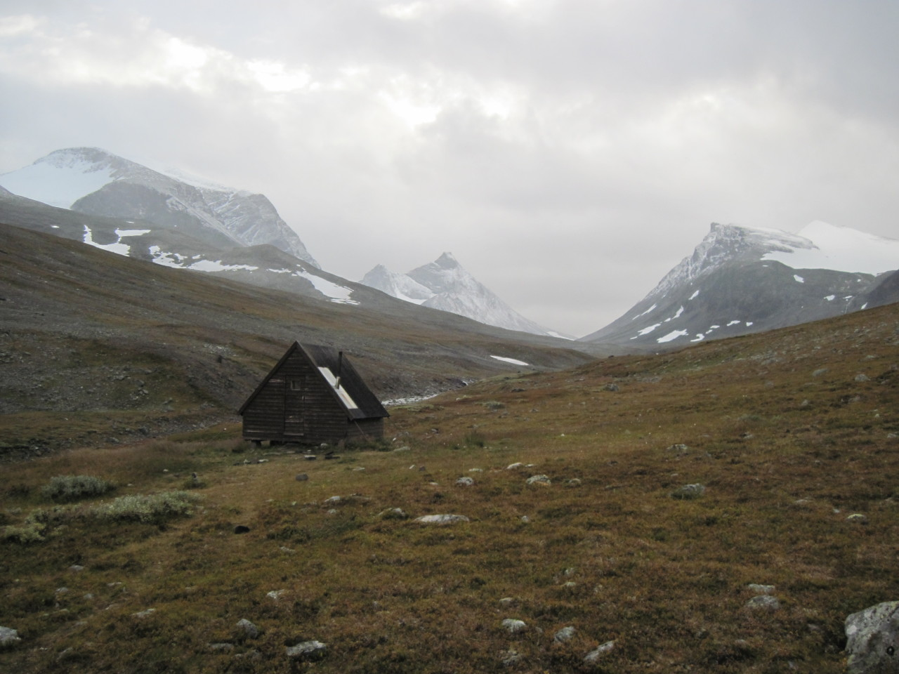 cabinporn:  Alpine Hut in Kungsleden, Sweden. Submitted by Lucas Warford.
