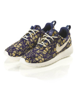 wantering:  Nike X Liberty Capel Liberty Print Roshe Run Trainers