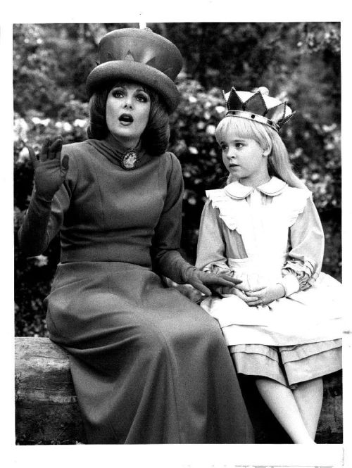 Ann Jillian and Natalie Gregory from Through the Looking Glass (1985).