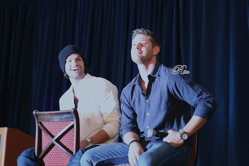 ritabewithj2sdtl:  20140921DallasCon #Supernatural# #J2# Part3 Please Don't Remove the logo and re-edit, Forward to other site with Credit :ritabewithj2sdtl