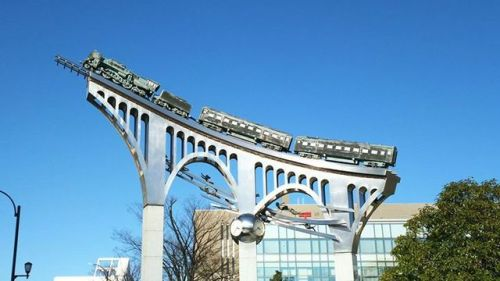 La statua dedicata a Galaxy Express 999 presso Dan Dan Square, Meiji-cho, Yonago, Prefettura di Tottori.#Luoghi #Giappone #LeijiMatsumoto #GalaxyExpress999 https://ift.tt/2KdiAAE