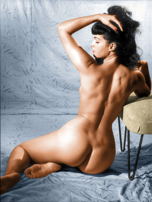 oldiznewagain:  Bettie Page - Colorized