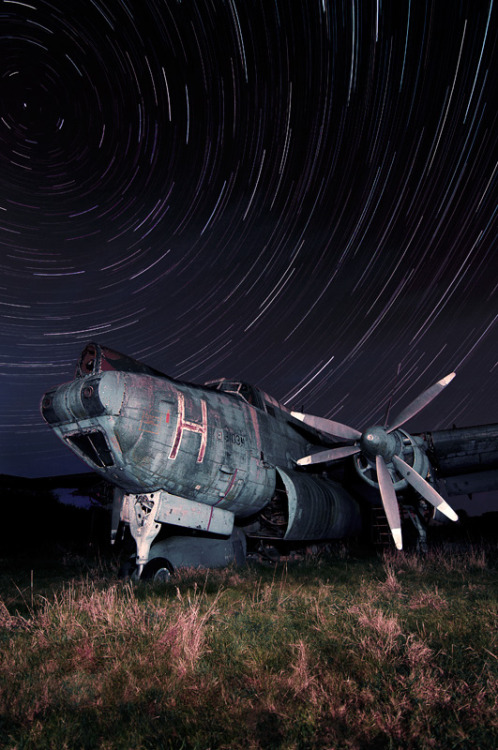 abandonedporn:  Avro Shackleton Star Trails (by jamescharlick)