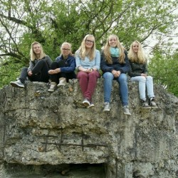 Met die lieve @marindabosman, @xxmaaarije, @lauraakus & Lianne in België! Het was super met jullie! 💕 #fun #girls #friends #exchange #blond #happy #smile #belgium #swag #nature #lovely #cute #fashion #picture #citytrip #instalike #laugh #friendship #love