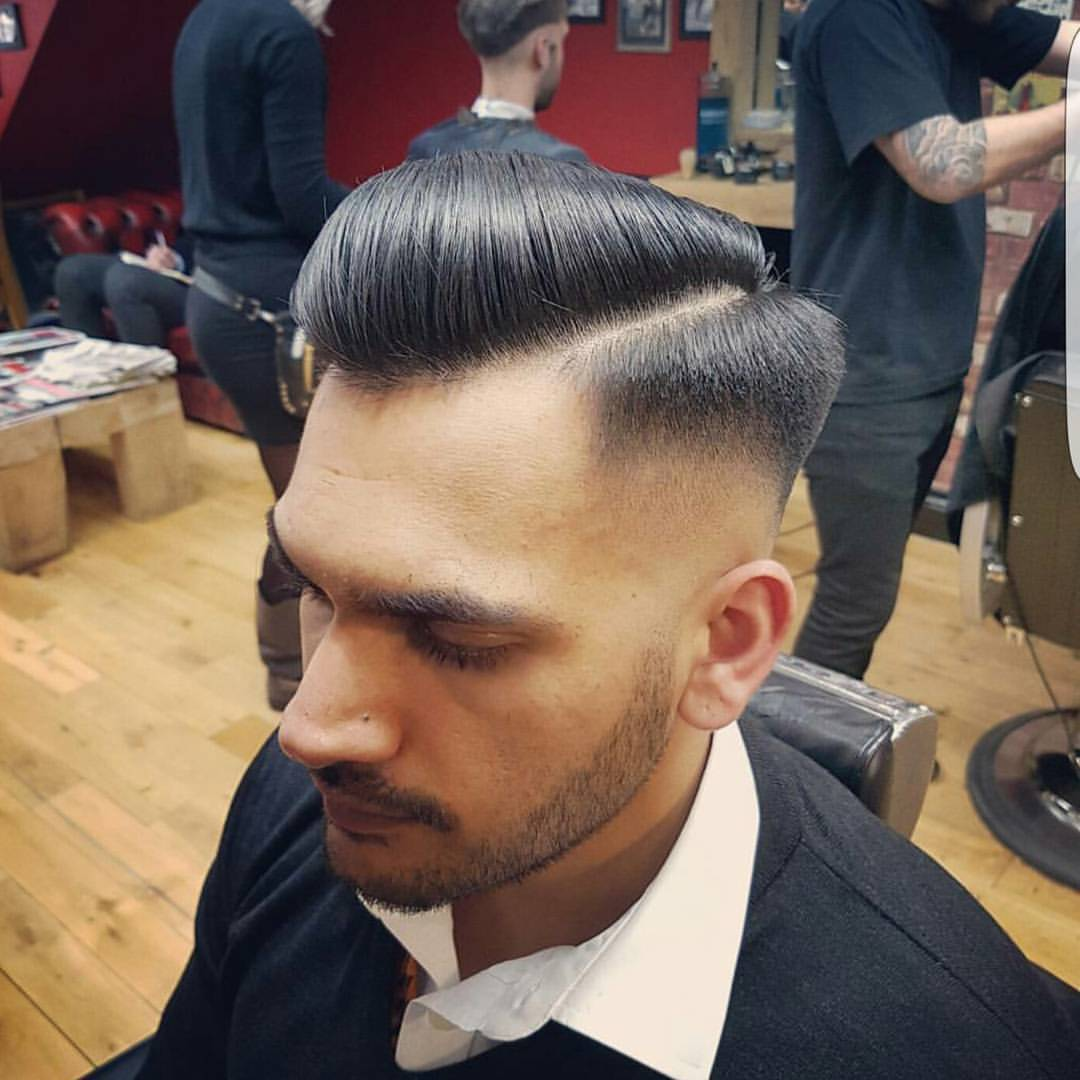 Bucks Barbers — Skin fade by @fayebucksbarbers 👌 😆#fade...
