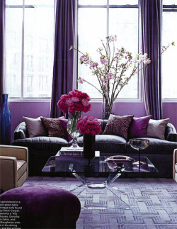 scarletlipscrimsonfingertips:  Moody purple decor entwined with elegance and a touch of mystery.