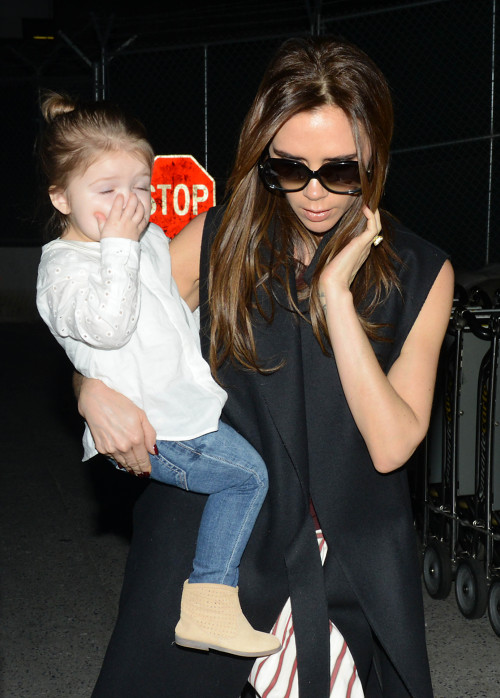 Harper Beckham wears jeans and doesn't want people to know about it. Pass it on.
