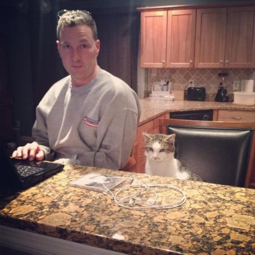 I walk into the kitchen and I see daddy and Jasper sitting at the counter watching tv. How cuteeee!
