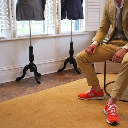 Let's go to work! #FashionFridays inspiration for commuters. #Boston #MBTA #mensstyle #menswear #spring #summer #ff #sneakers #suit #businesscasual #elegantcasual #nosocks #newbalance #madeinusa