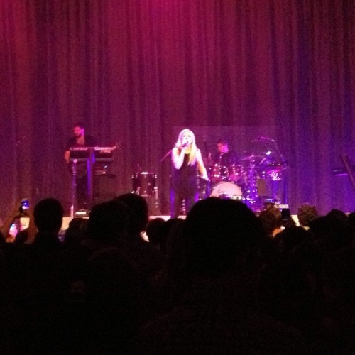I chase your love around a figure 8 🎶👏 #elliegoulding #nashville #figure8