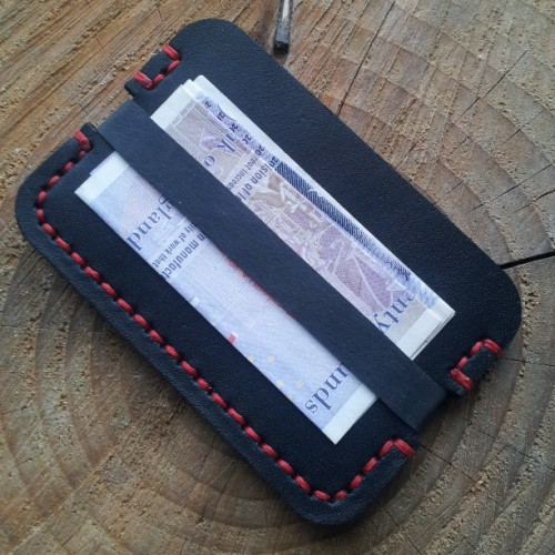 A credit card wallet with a elastic note holder. @xdrdeathx #edc #everydaycarry #handmade #handsewn #31trum #wallet