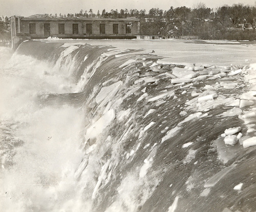 Ice Breaking Over Amoskeag (1936) PSNH purchased Amoskeag Station in 1936, the year this photo was taken. The hydro dam, built in 1924, is located on the Merrimack River in Manchester's Millyard. See this same scene, taken just a few years ago, on PSNH's Flickr page. 2013-03-04: Updated with Flickr photo. Thanks to Bob Gundersen.