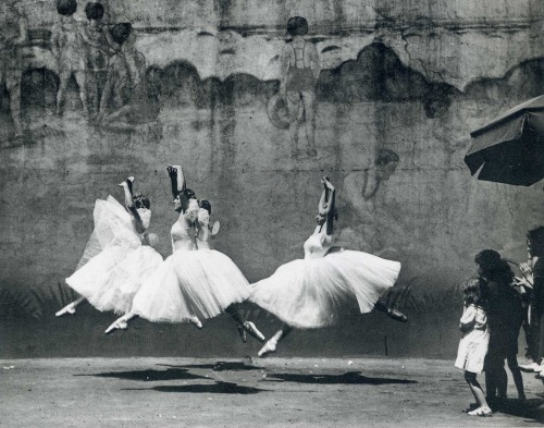 losed:  Ballet, New York City 1938 by Andre Kertesz