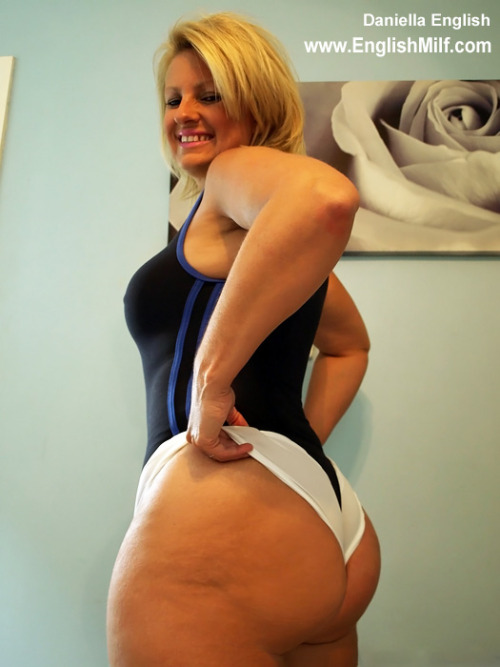 www.englishmilf.co.uk - in my lycra booties #milf #ass