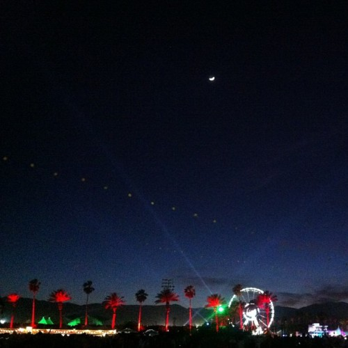 I see you, moon! #Coachella #nofilter  (at Coachella Valley Music And Arts Festival)