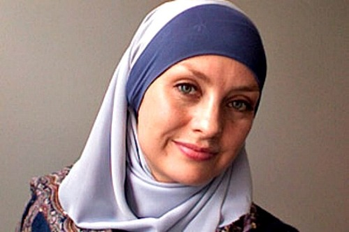 peopleinislam:   People in Islam: Susan Carland — sociologist, teacher, lecturer  Named in 2009 as one of several Muslim Leaders of Tomorrow by the UN Alliance of Civilizations, Susan Carland is a Muslim sociologist. She is a lecturer in politics, sociology and gender studies at Monash University in Melbourne, Australia.  Viewed by many as a great example of Muslim woman, Susan completed a Bachelor of Arts and a Bachelor of Science and in 2007, she was completing her PhD, researching leadership challenges facing Western Muslim women. In 2004, she received the Australian Woman of the Year award. Unsurprisingly, she is the co-creator of the Victorian Convert Support Service, and has managed the Islamic Council of Victoria's youth wing, Grassroots.  To read little more about Susan, read this interview here. To watch some of her panel appearances here. Also, you can read some of her transcripts here (just scroll to the bottom).