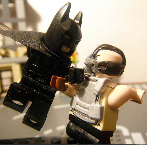 fyeahsuperheroes:  The Batman vs Bane