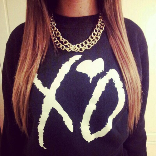 ultimatebeauties:  GET THE XO SWEATER HERE→