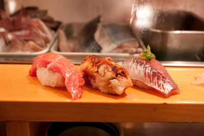 Sushi Dai @Tsukiji Fish Market by jimmyxpark on Flickr.
