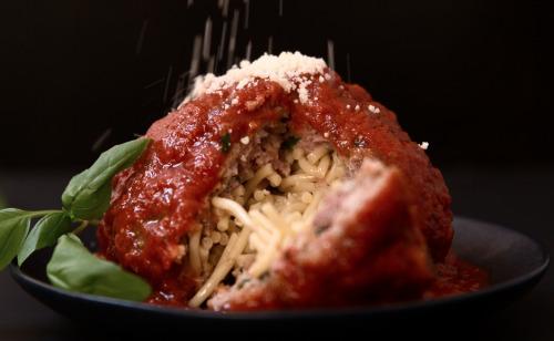 thrillist:  Spaghetti-stuffed meatballs are like inception for your mouth.  Ammazza che zozzeria, ahò!