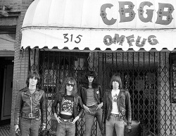 cretin-family:  The Ramones photographed by Danny Fields