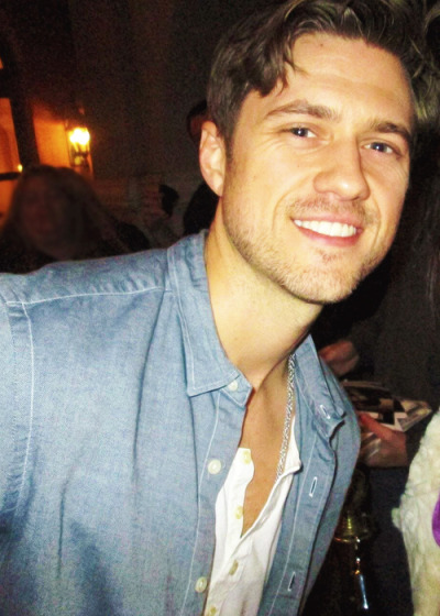 aaronntveit:  29/30 pictures of Aaron Tveit